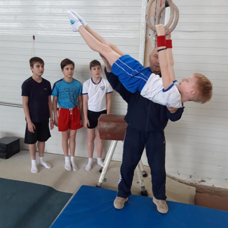 """Гимнастика для мальчиков 5-10 лет. """"Мир Гимнастики"""""""