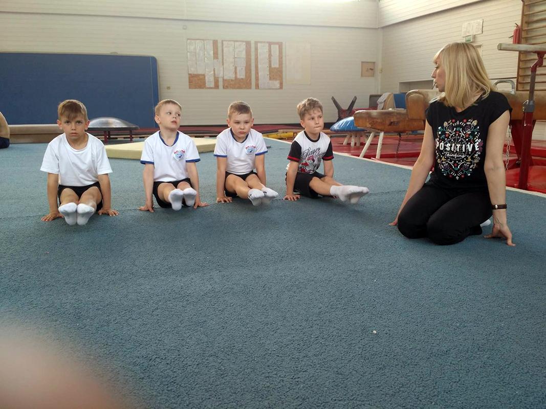 """Гимнастика для детей . Упражнения на ковре. Вольные. Тренировка в """"Мире Гимнастики"""""""